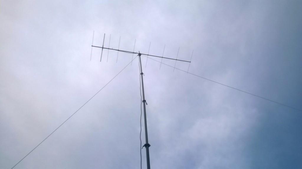 9 ele 2m  tonna atop the  12m  mast