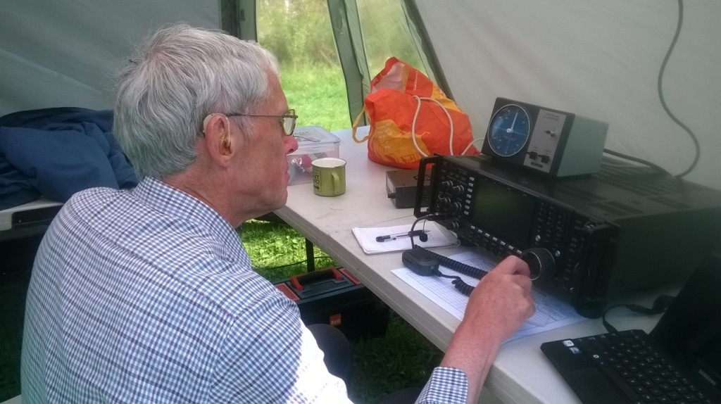 Dave G3ZXF  with the 20m station